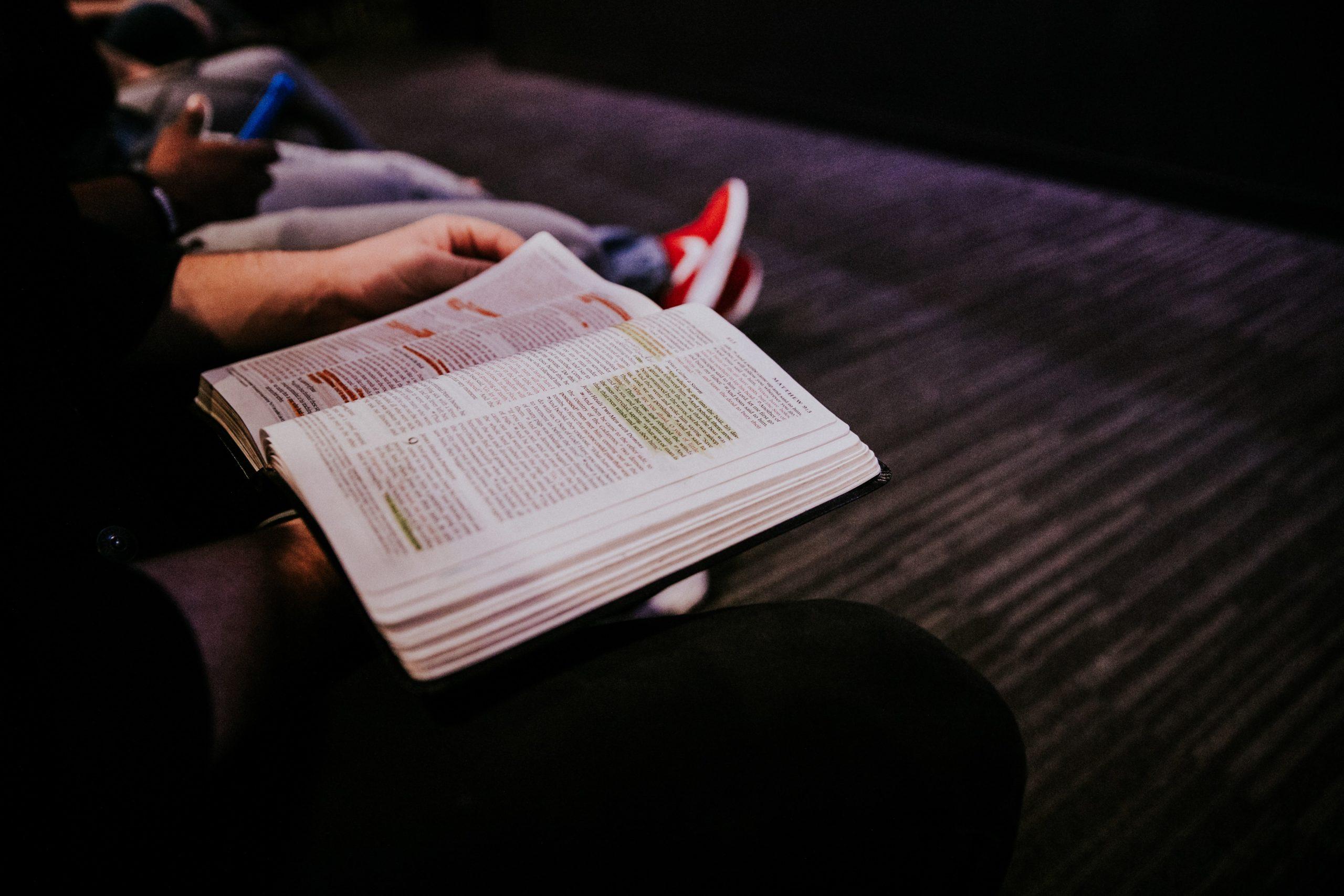 Bibel eller ledelse?